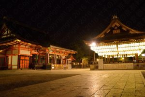 夜の八坂神社/Yasaka shrine at night